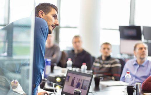 Tipos de líderes: quais são e por que sua empresa precisa de um?